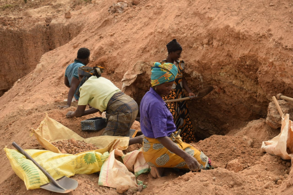 A typical ASGM scene - many members of the community become involved in mining operations